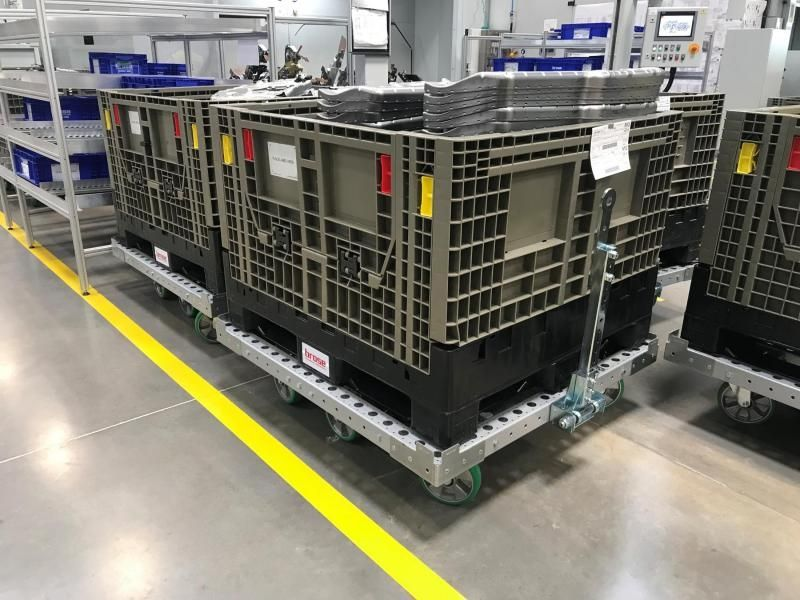 Brose pallet cart with tow bar by FlexQube