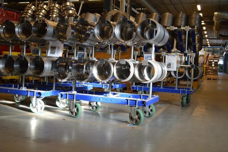 FlexQube kit carts at a customer