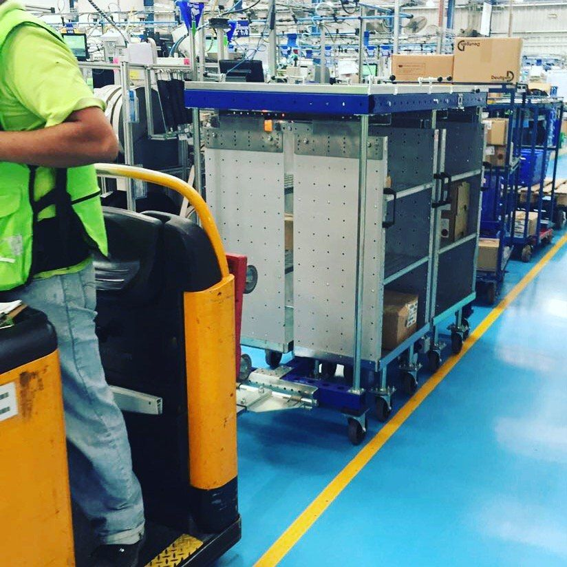 Why It's Time to Prioritize Heavy Duty Carts over Forklifts