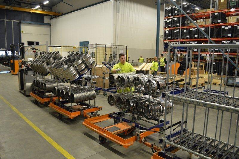 Kuehne + Nagel ordering 326 trolleys from FlexQube