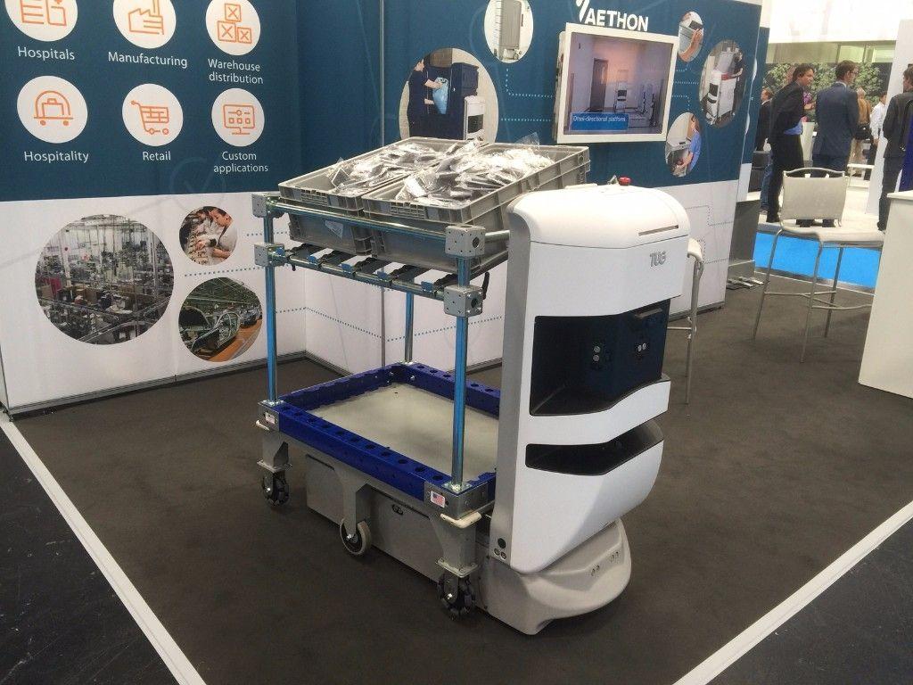 FlexQube shelf cart with AGV