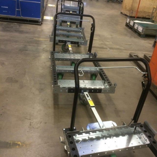 FlexQube receives an order for 30 EUR-tugger carts!