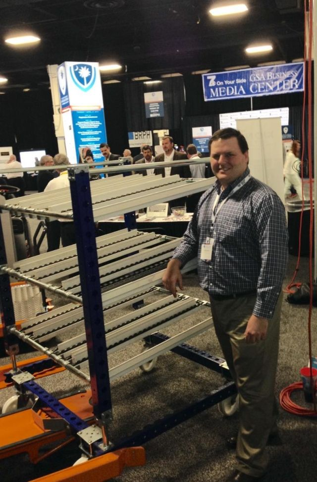 FlexQUbe at a trade show with the Liftrunner