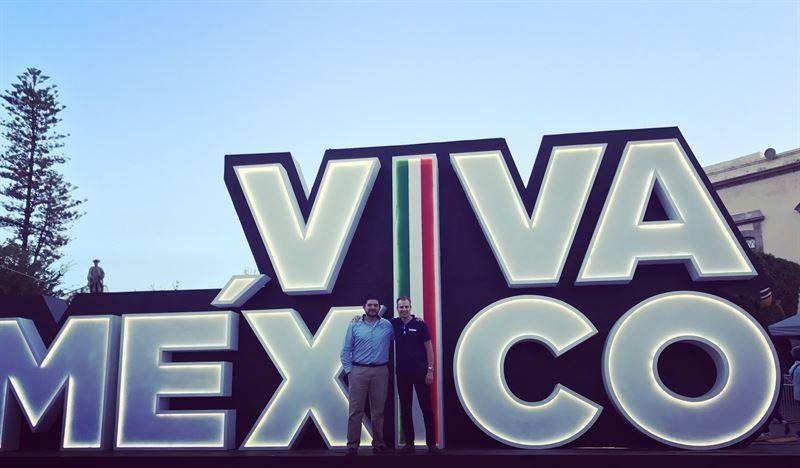 CEO Anders Fogelberg with Hector Flores