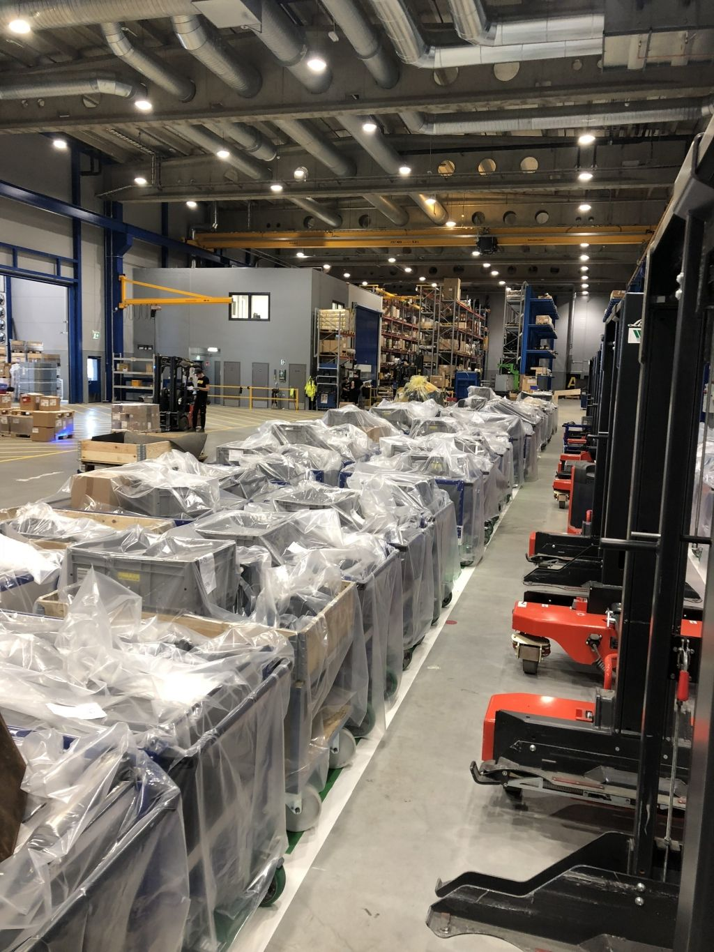 FlexQube carts covered up at a Ponsse facility