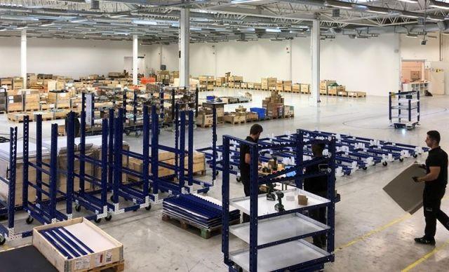 FlexQube insourcar distribution och montering för Europa