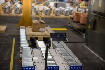 Automated pallet transfer - Siemens gets started with automation!