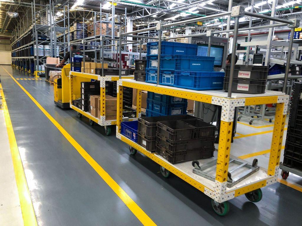Material Handling Shelf Carts