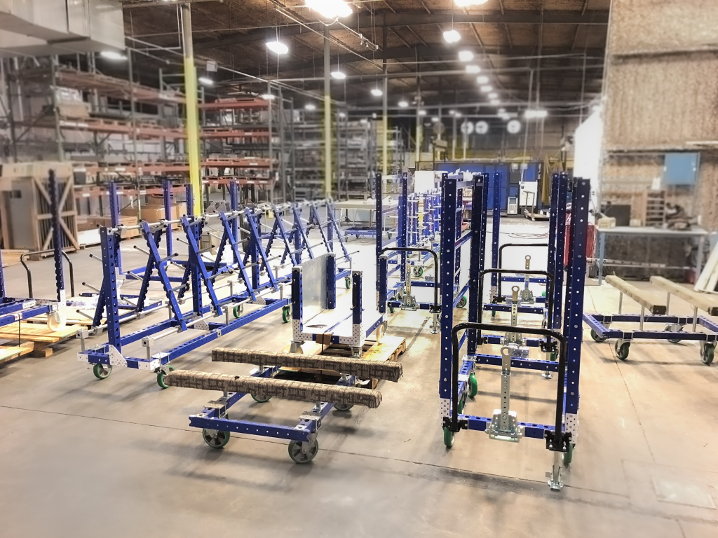 FlexQube assembly facility with material handling carts